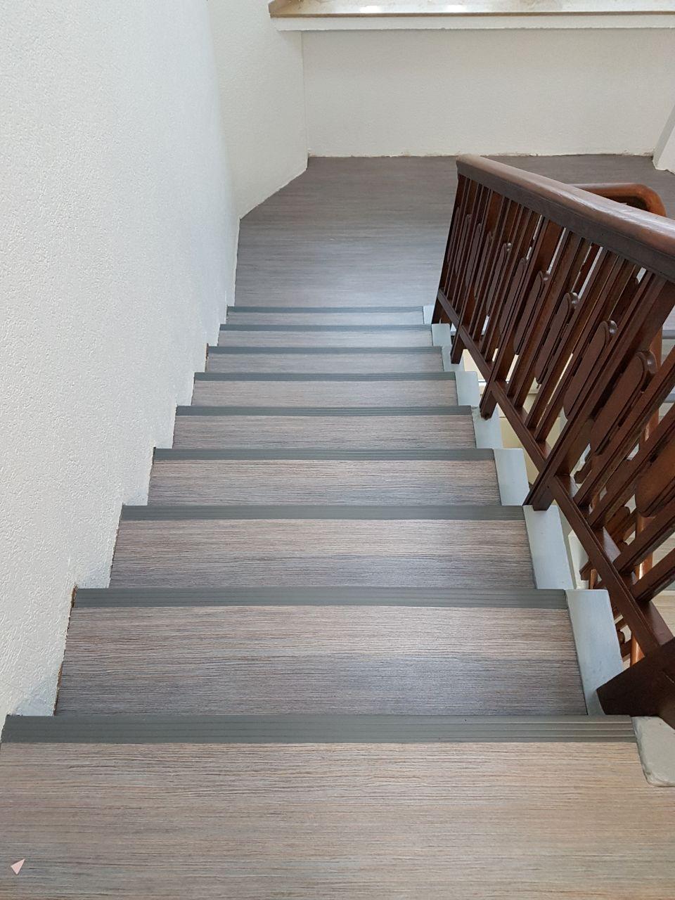 Treppenhaus Nachher 2 Bodenbelag Koch Gmbh Co Kg Parkett