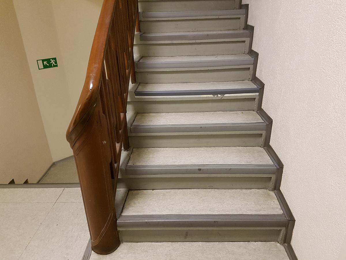 Erneuerung Treppenhaus In Dusseldorf Bodenbelag Koch Gmbh Co Kg